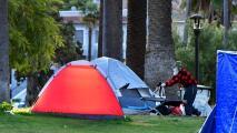 Concejo de Los Ángeles vota para hacer cumplir ley que prohíbe campamentos de desamparados en ciertas zonas de la ciudad