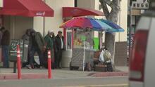 ¿Por qué se aprueban tan pocos permisos para la venta ambulante en Los Ángeles? Acá te contamos