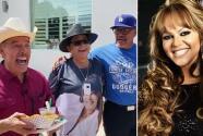 Con 'Las Mañanitas', globos y oraciones, los padres de Jenni Rivera la recordaron en el día de su cumpleaños