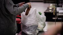 Consideran cobrar las bolsas de plástico en las tiendas minoristas de Durham