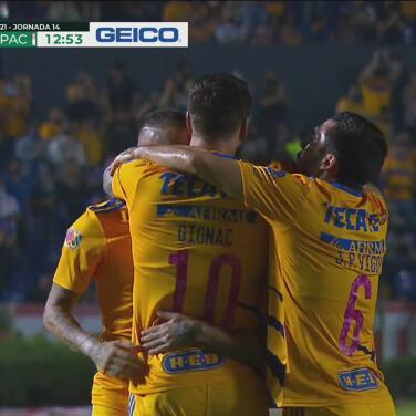¡Ya festejan el 2-0! 'Diente' López mete zurdazo implacable para el gol