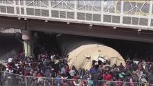 Denuncian condiciones inhumanas en un refugio de inmigrantes en Texas