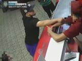 Buscan a hombre que acuchilló la cara de empleado de un restaurante en el Bronx y luego huyó
