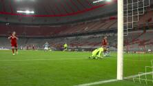 ¡GOL!  anota para FC Bayern München. Eric-Maxim Choupo-Moting