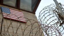 Trump contempla el uso de instalaciones militares en la frontera para detener a indocumentados