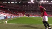 ¡GOL!  anota para Manchester United. Axel Tuanzebe