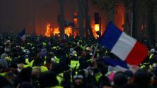 Quema de autos y choques con la policía: decenas arrestados por protestas en París