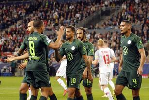 RB Salzburg se impone ante el Wolfsburg 3-1 durante la tercera fecha de la UEFA Champions League. Karim Adeyemi abrió el marcador para los locales a los pocos minutos del encuentro, pero Lukas Nmecha igualaba las cosas al 15'. Ya en la segunda mitad Noah Okafor, con doblete, aseguró el triunfo.