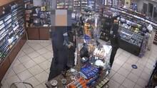 Buscan a sospechoso de serie de robos armados en tiendas de Culver City