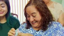 Gracias a su hijo que trabaja en las Fuerzas Armadas de EEUU, esta madre pudo obtener su residencia legal