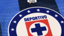 Cruz Azul presenta su playera de campeón y divide opiniones