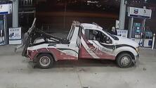 En video: Un hombre armado intenta robar al chófer de una grúa