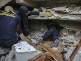 Haití eleva a por lo menos 724 la cifra de muertos tras el potente terremoto