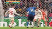 ¡GOL!  anota para España. Álvaro Morata