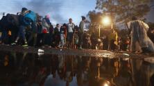Las fuertes lluvias en Tijuana se convierten en un nuevo inconveniente para los migrantes de la caravana