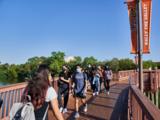 Esta universidad texana no cobra matrícula a estudiantes cuyas familias ganan menos de $100,000