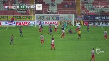¡Otra vez Vikonis! El arquero de Puebla salvó su arco del empate