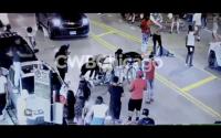 Minuto a minuto de enfrentamiento físico en medio de la calle en Chicago
