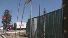 Abrirán un centro para ofrecer vivienda temporal a decenas de desamparados en una zona industrial en Hayward
