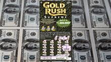 Mujer creyó que había ganado $1,000 con el raspadito de la Lotería y resultó ser $1,000,000