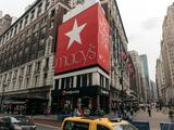 Macy's entabla demanda para que Amazon no ocupe la valla publicitaria de su icónica tienda en Manhattan