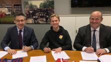 El FC Barcelona hace oficial el fichaje del holandés Frenkie de Jong