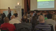 Discuten sobre los planes de construir una bodega de distribución en la antigua planta de carbón Crawford en La Villita