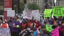 No cesan las protestas en Chicago para exigir un camino a la ciudadanía y frenar las deportaciones