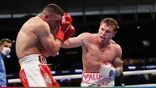 ¿Está Canelo entre los mejores de todos los tiempos? Llueven las críticas contra el campeón mexicano tras su última pelea