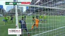 ¡Llega el empate! Xavier Arreaga peina y Nicolas Benezet pone el 1-1