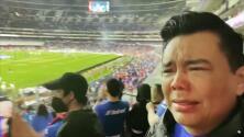 Raúl Brindis no pudo contener las lágrimas de felicidad por el triunfo del Cruz Azul