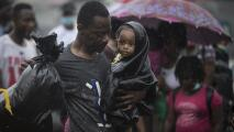 Miles de migrantes que intentan llegar a EEUU abruman un pueblo costero colombiano