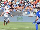 Johan Vásquez observa desde la banca la épica remontada del Genoa sobre el Cagliari