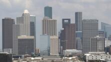 Pronostican alta nubosidad y frío para este martes en Houston