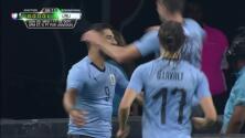 ¡GOOOL! Gastón Pereiro anota para Uruguay