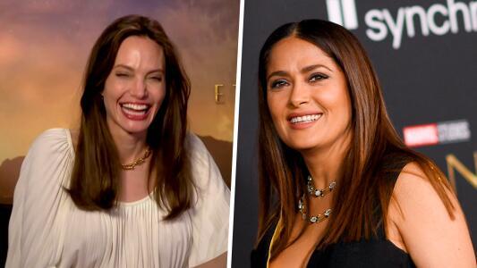 Angelina Jolie muere de risa al mostrar que aprende rápido de Salma Hayek