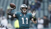 Carson Wentz no cuestiona a los Eagles por tomar a Jalen Hurts