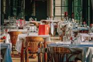 Solo quedan dos regiones de Illinois sin restricciones de covid-19 para sus restaurantes y bares