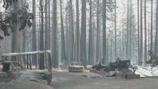 Incendio Caldor provoca el cierre de dos autopistas tras arrasar con miles de acres