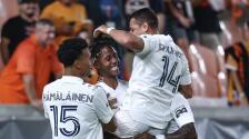 El resumen: con toque mexicano LA Galaxy golea a domicilio a Houston Dynamo