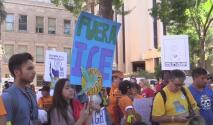 Residentes de Phoenix se unen a un movimiento nacional y marchan en contra de la discriminación racial