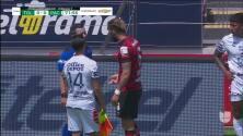 ¡Tarjeta Roja! Miguel Barbieri recibe la segunda amarilla y se va del juego.