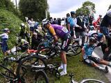 Tour de Francia quiere cárcel y multa a aficionada que provocó caída