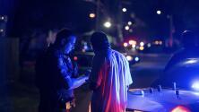 Muere un oficial del condado Harris y dos más resultan heridos luego de tiroteo en un bar