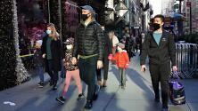 Millones retornan de viajes por Acción de Gracias, en medio de un crecimiento de los contagios de covid-19