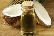 Este tratamiento se recomienda hacerlo dos veces al día, tanto en la mañana como en la noche.foliante limpiador. Necesitas 1 cucharada de aceite de coco, 2 cucharadas de azúcar, 1 cucharada de vinagre de manzana y 1 cucharada de miel. <br>