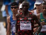Eliud Kipchoge se convirtió en bicampeón olímpico de maratón