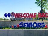 Regresan los estudiantes del último año a las escuelas secundarias del condado de Kern