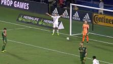¡Gol de Chicharito! El mexicano llegó a 13 goles y encamina a LA Galaxy a Playoffs