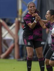 Las mexicanas no se tocan el corazón y vienen de atrás para golear 6-1 al conjunto argentino.